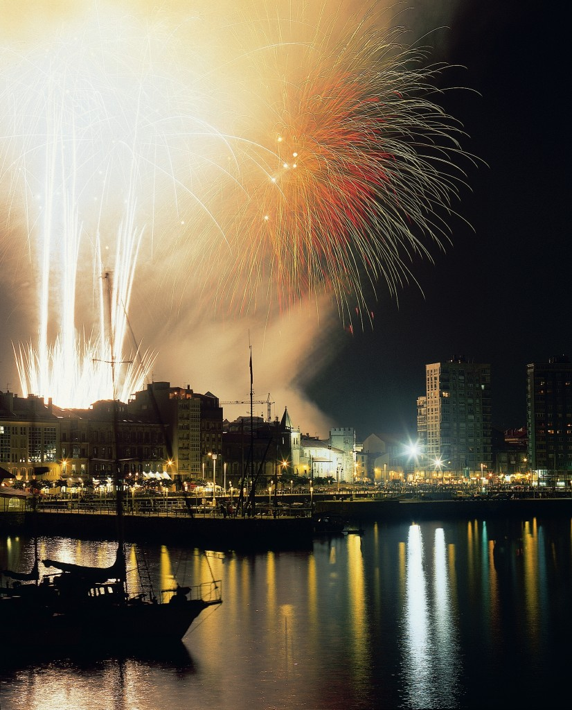 La Gran Noche de los Fuegos Artificiales de Gijón