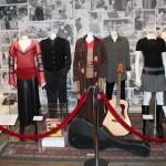 Se expone parte del vestuario utilizado por los protagonistas
