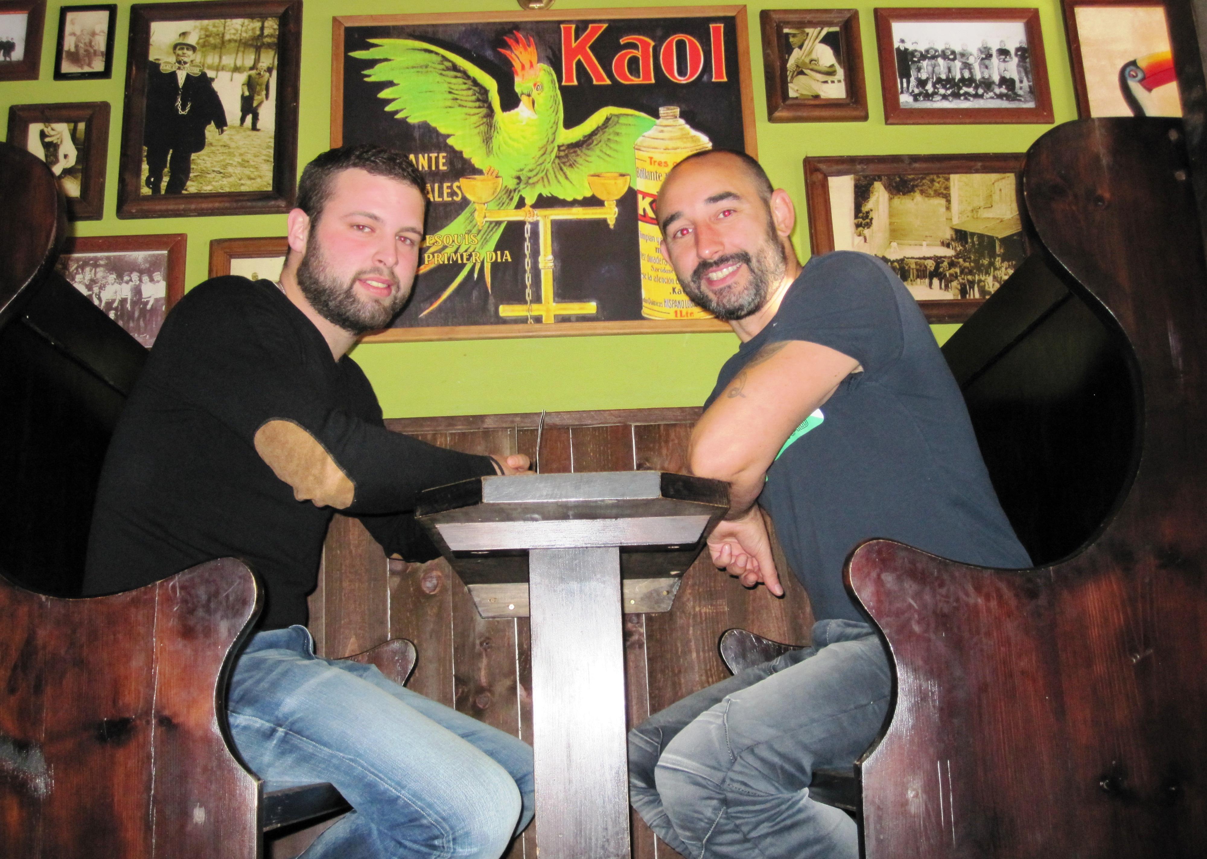 Diego y Fran en La Botica Indiana de Teatinos