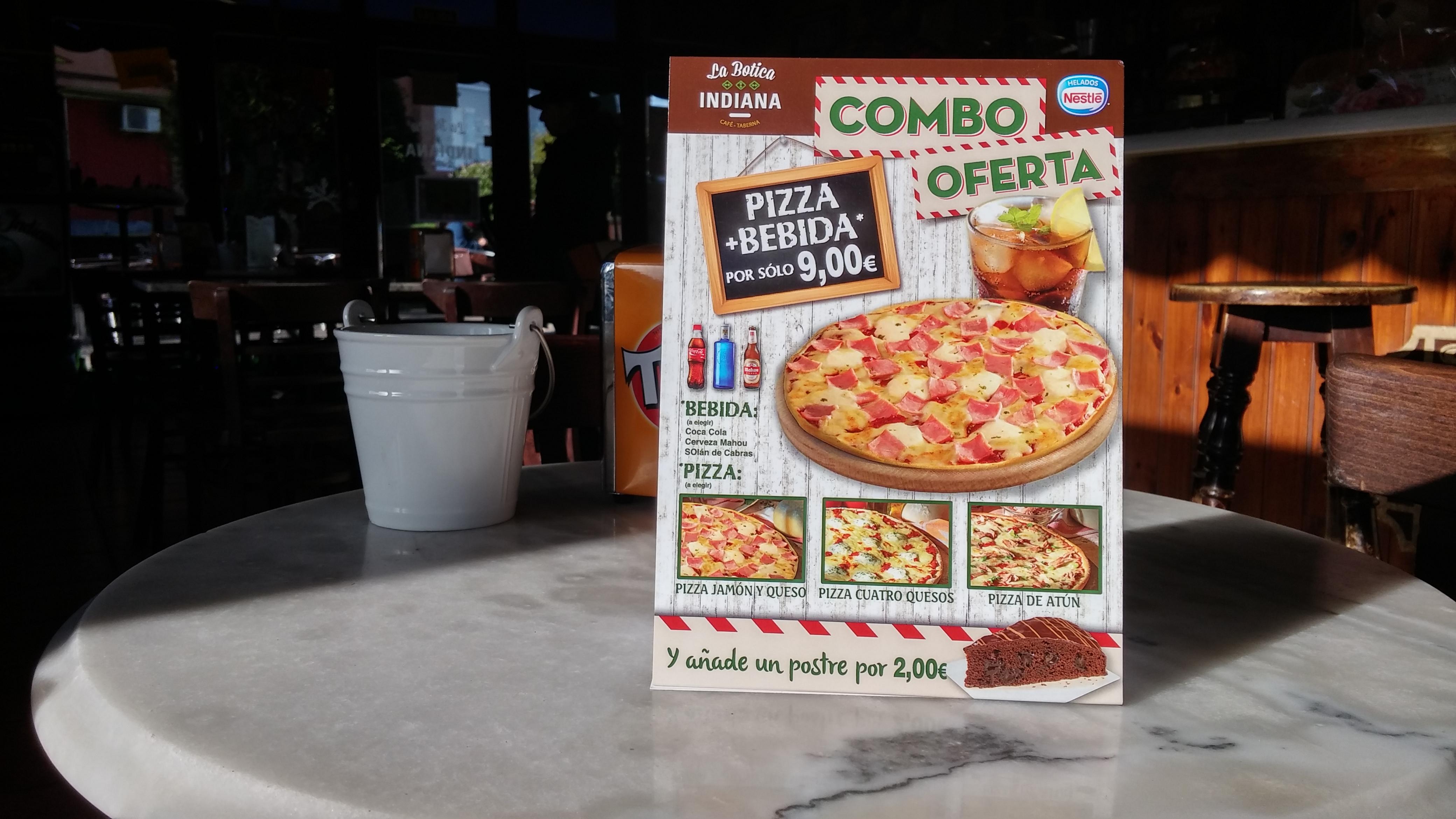 Pizzas en La Botica Indiana de Colloto